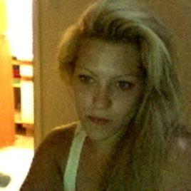 Blondes, kurviges Girl sucht Mann