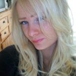Hübsche Blondine, suche privates Sex Vergnügen
