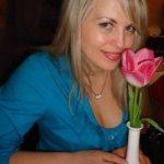 Geschiedene, wohlhabende Frau aus Tirol